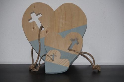 Hart M met kruis, Steigerhout (Hout)