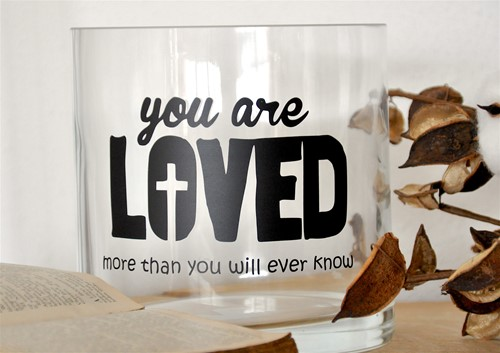 Cilinder Vaas M: You are Loved more than.... (Glas)
