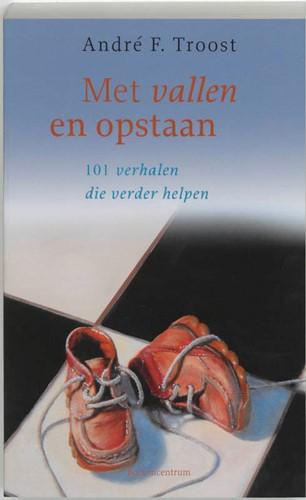 Met vallen en opstaan pastoraat (Paperback)