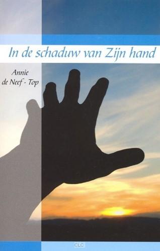 In de schaduw van Zijn hand (Boek)