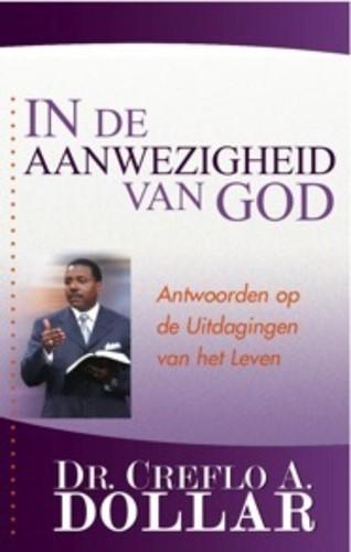 In de Aanwezigheid van God (Paperback)
