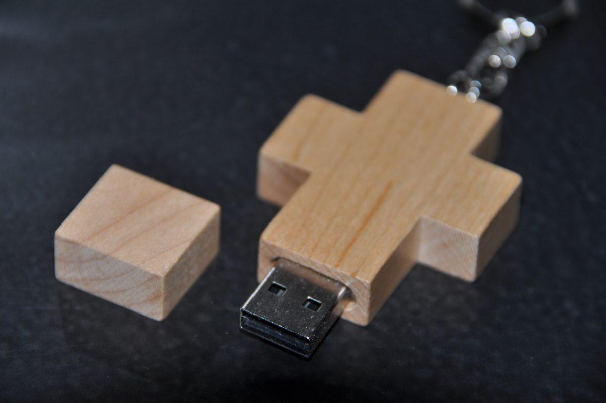USB Kruis Hout Blanco, 16 GB